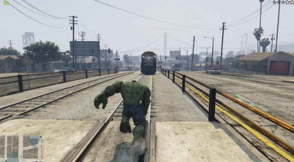 GTA V Meets The Incredible Hulk    Twice - GTA BOOM