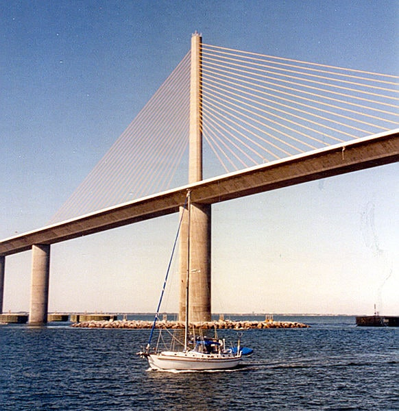 582px-Sunshine_Skyway_Bridge_-_Detail
