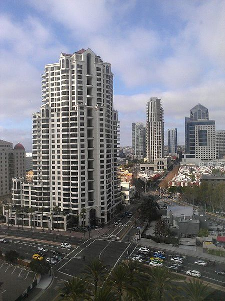 450px-Down_town_san_diego_photo_d_ramey_logan
