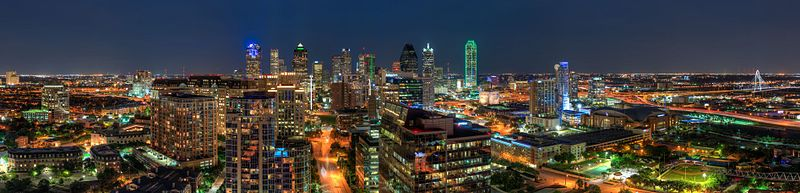 Bleu_Ciel_panoramic_nightview_of_Downtown_Dallas_(20823639102)