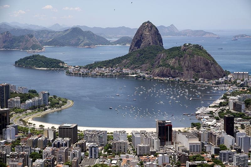 800px-Enseada_de_Botafogo_e_Pão_de_Açúcar