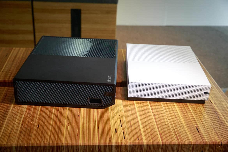 microsoft-xbox-one-s-comparison-to-old-xbox-7268-001