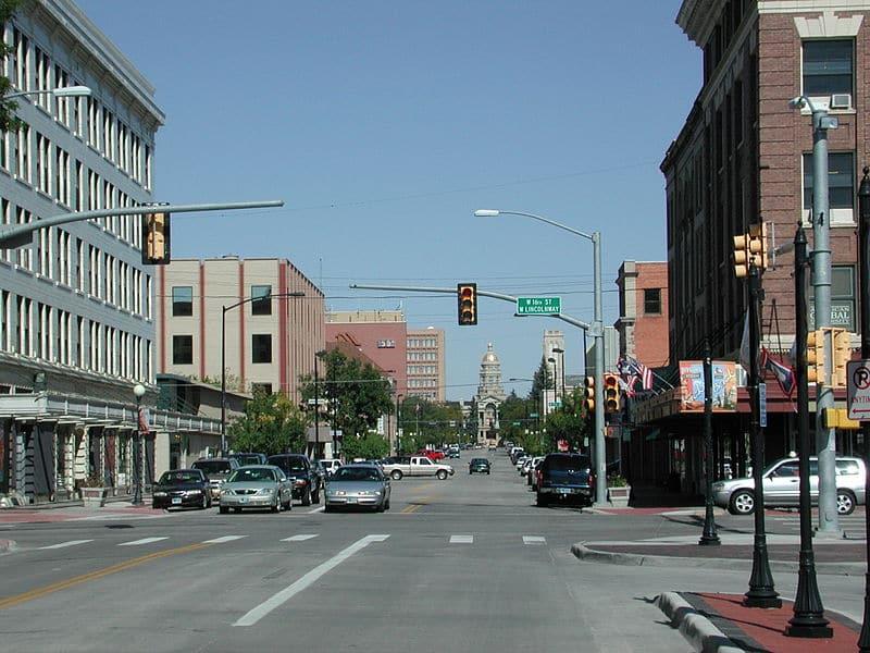 800px-CheyenneWY_downtown