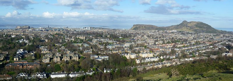 800px-View_of_Edinburgh_from_Blackford_Hill_2