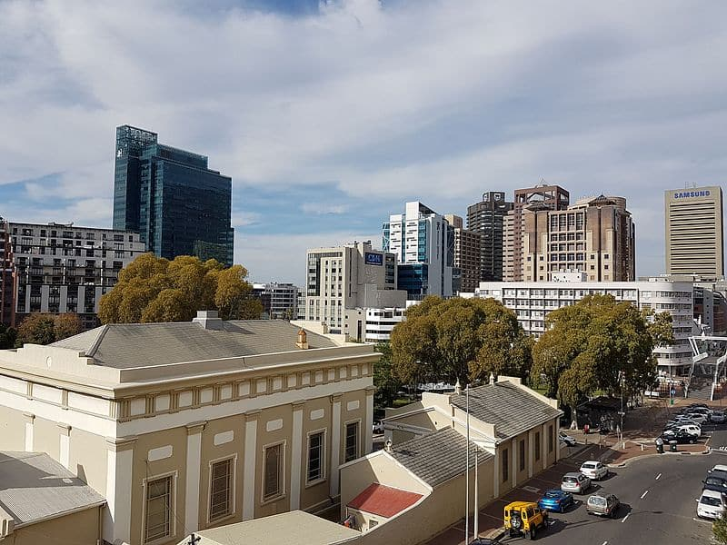 cape_town_cbd_skyline_as_seen_from_de_waterkant