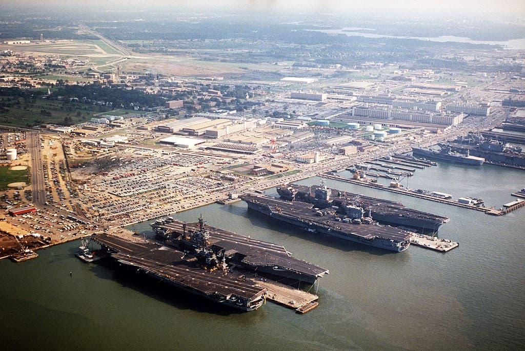 1024px-norfolk_naval_base_aerial_1985