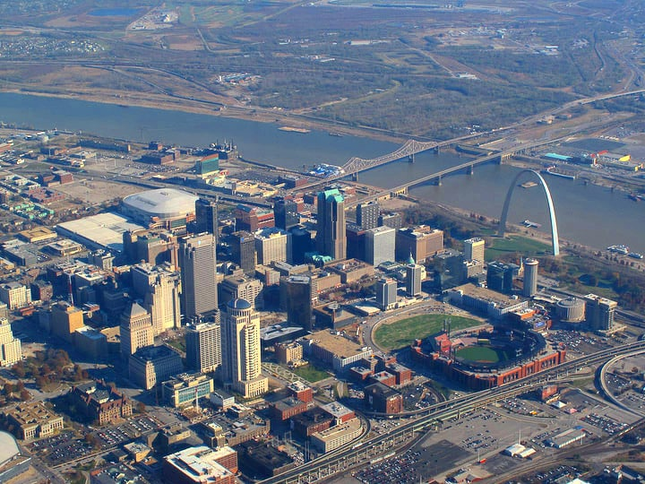 aerial_view_of_st-_louis_missouri_2008-11-19_edit