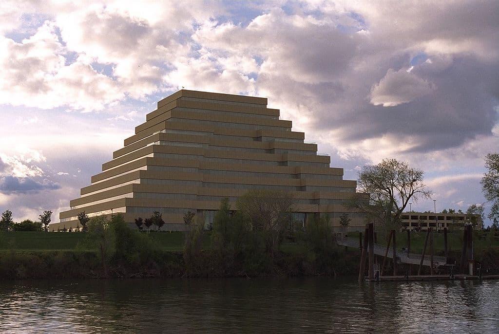 1024px-sacramento-river-bank-pyramid-20-4