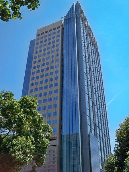 450px-us_bank_tower_profilesacramento
