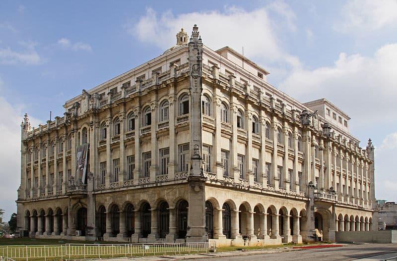 800px-museum_of_the_revolution_centro_habana